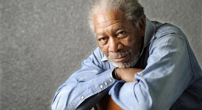 Morgan Freeman surt il·lès d'un accident aeri