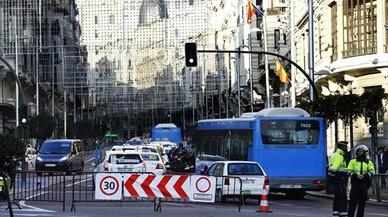 Carmena anuncia que peatonalizará la Gran Vía a partir de enero
