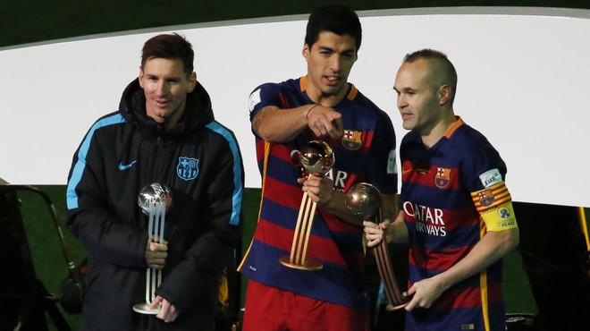 Suárez, Pilota d'Or; Messi, Pilota de Plata; Iniesta, Pilota de Bronze