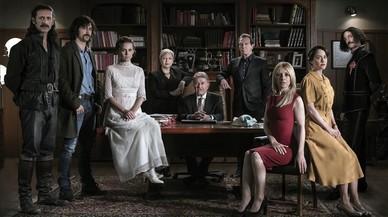 Imagen promocional con todos los protagonistas de la serie de TVE-1 'El Ministerio del Tiempo'.