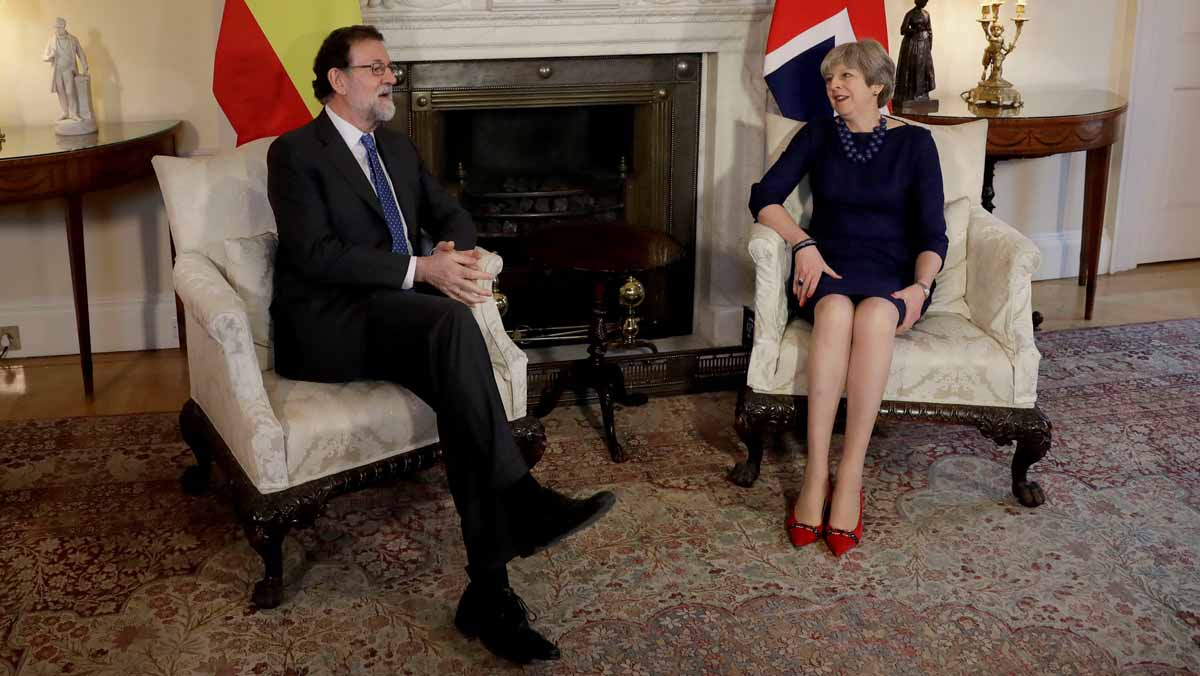 """Theresa May a Rajoy: """"Es fundamental que se respete la Constitución y el Estado de Derecho"""""""