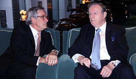 El alcalde de Barcelona, Xavier Trias, y el responsable del conglomerado Hutchinson, con el que se reunió en Hong Kong.