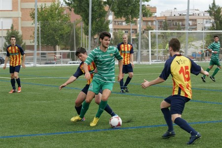 Un momento del partido entre el Cornell y el Vilafranca disputado este sbado en el Nou Municipal de Cornell.