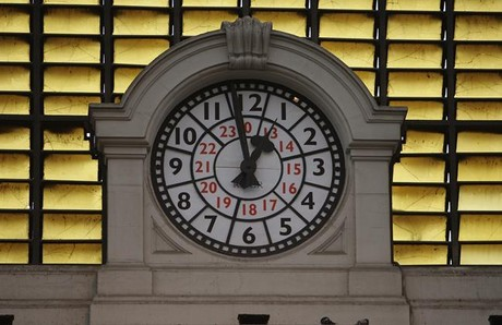 Reloj en la estación de Francia, en Barcelona.