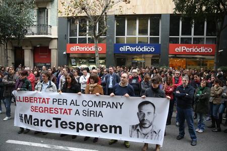 Concentración por Marc Marginedas ante la sede de EL PERIÓDICO, esta tarde.