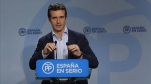 El vicesecretario de comunicación del PP, Pablo Casado, este lunes en rueda de prensa.