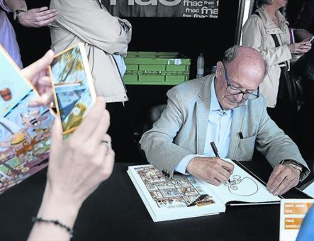 FRANCISCO IBÁÑEZ El ilustrador hizo múltiples dibujos para sus admiradores.