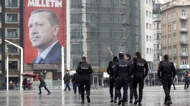 Turquia segueix tensant la corda amb Holanda i protestarà davant l'ONU