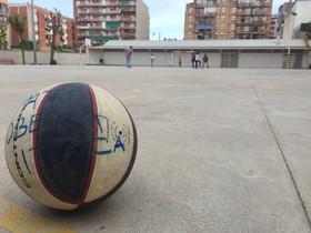 Imagen del colegio público del barrio de Llefià, en Badalona.