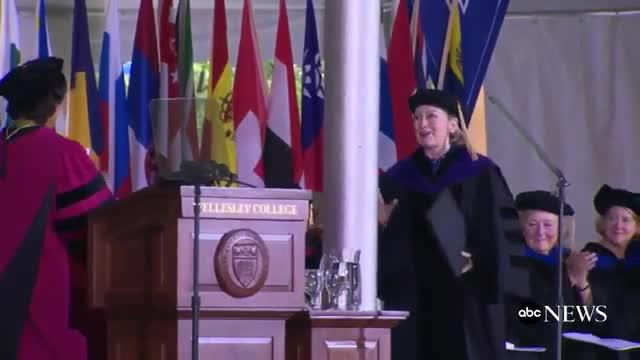 El discurs de Hillary Clinton al Wellesley College.