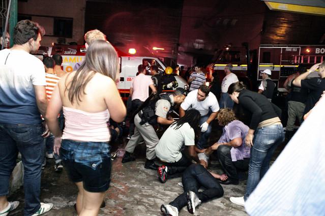 Las autoridades rebajan a 232 los muertos en la tragedia de la disco brasile�a