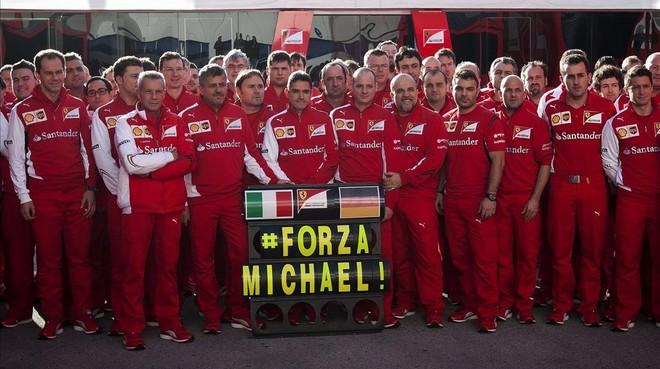 El equipo Ferrari le desea una feliz recuperación a Michael Schumacher.