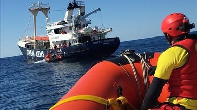 El vaixell de 'Proactiva', novament intimidat per una patrullera de Líbia