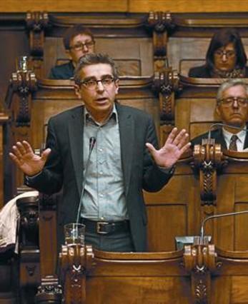 "Mart� se abstiene en la declaraci�n soberanista por ""respeto"" a su grupo municipal"