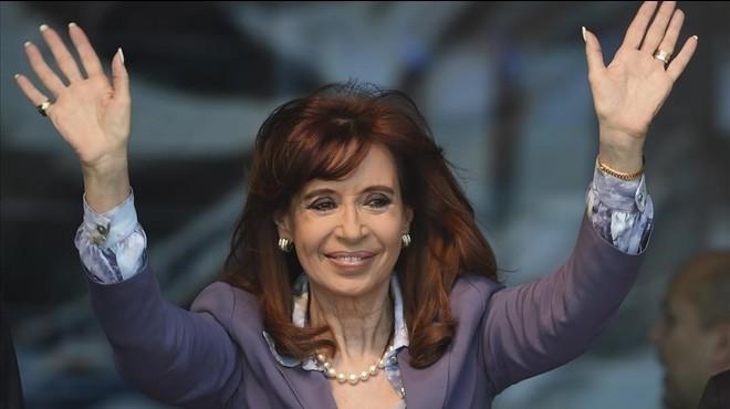 Un fiscal decideix investigar Cristina Kirchner per blanqueig de diners