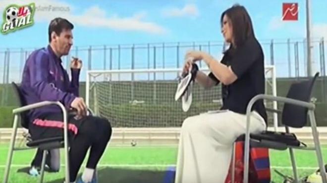 Messi arma un enrenou a Egipte al donar les seves botes per a una subhasta benèfica