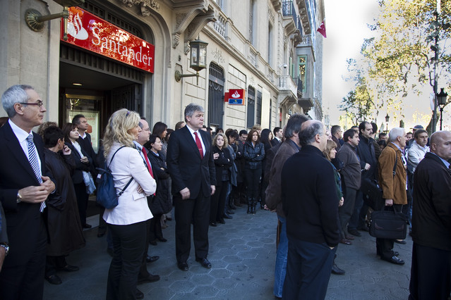 Trabajadores del sector bancario se concentran en recuerdo for Sucursales banco santander barcelona