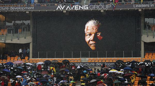Líders mundials acompanyen el poble sud-africà en el comiat de Mandela