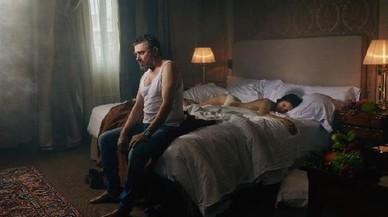 Pere Arquillué y Marta Ossò, en una imagen promocional de'Blasted (Rebentats)', de Sarah Kane.