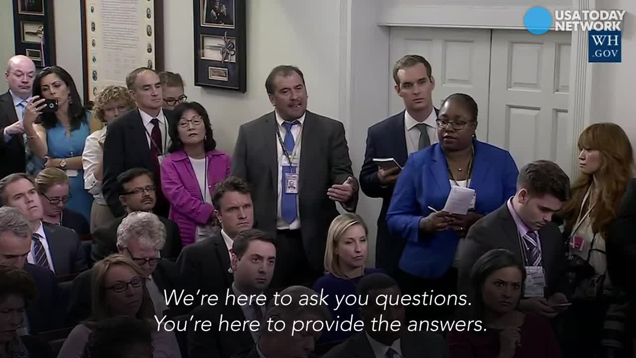 """""""¡Vinga va!"""" Així s'encara un periodista amb la portaveu de la Casa Blanca."""