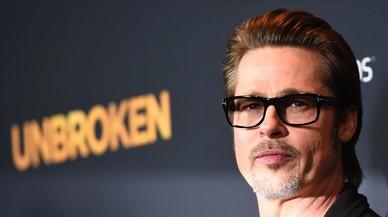 El primer aniversari de solter de Brad Pitt