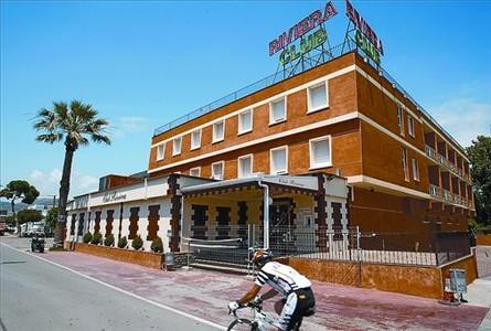Los clubs Riviera y Saratoga, en Castelldelfels, involucrados en la trama de corrupción.