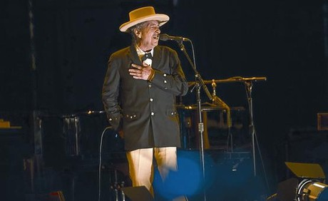 Bob Dylan, durante su concierto de anoche en el Festival Internacional de Benicssim.