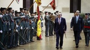 El ministro del Interior, Jorge Fernández Díaz, en el acto de entrega de despachos a tenientes de la Guardia Civil en Aranjuez.