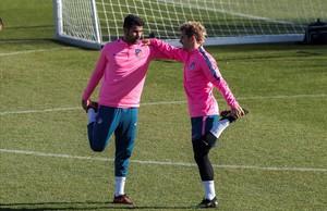 Diego Costa y Antoine Griezmann, en el entrenamiento de este martes en la ciudad deportiva rojiblanca