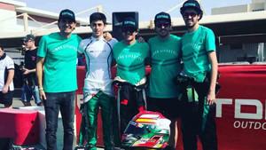 De la Rosa, Vidales, Burgueño, Fernando y Alberto Fernández, antes de la salida de las 24 Horas