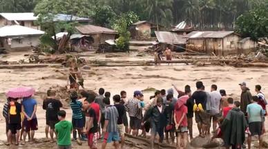 Almenys 133 morts després del pas de la tempesta 'Tembin' al sud de les Filipines
