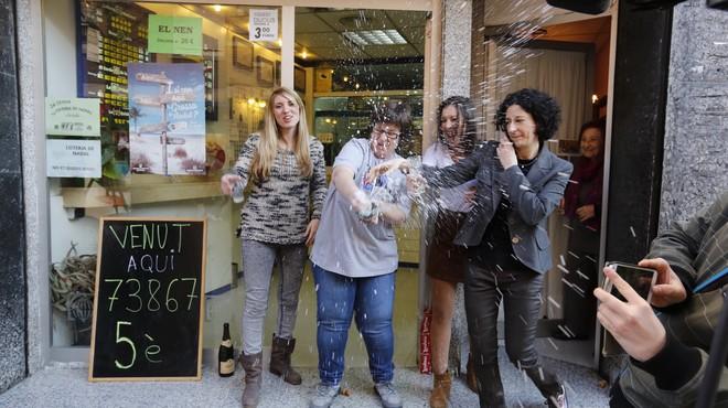 Caldes de Montbui reparte �ntegramente un quinto premio de la Loter�a de Navidad