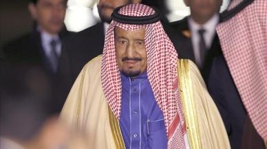 El rei de l'Aràbia Saudita ordena revisar les normes de la tutoria masculina sobre la dona