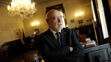 Puigdemont se querella contra el fiscal general y el de Catalunya