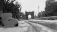 Una imagen del paseo de Sant Joan, con el Arc de Triomf al fondo. Se calcula que cayeron 25 millones de metros c�bicos de nieve.