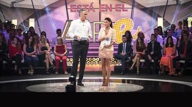 Juan y Medio y Ares Teixid�, presentadores del nuevo programa de Antena3 'El amor est� en el aire'.