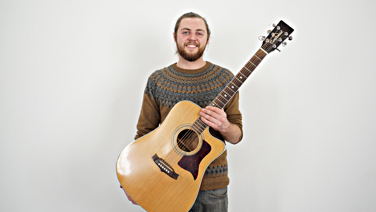 Matthew McDaid interpreta en acústico 'Whispering winds'.