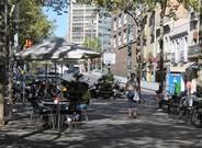 La ordenaci�n de terrazas de la rambla de Fabra i Puig (en la foto) y de la rambla Onze de Setembre tiene el visto bueno del vecindario.