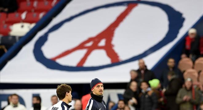 París rendeix homenatge a les víctimes dels atemptats