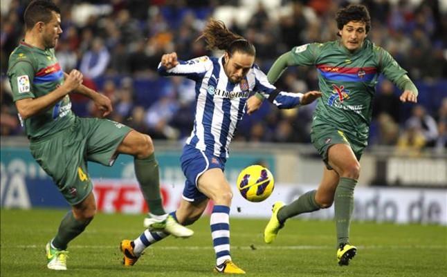 El Espanyol sigue imparable en Cornellà (3-2)