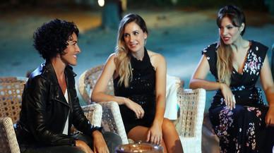 Nina, con algunos de los exconcursantes de 'Operaci�n triunfo', en el especial 'OT: el reencuentro' (TVE-1).