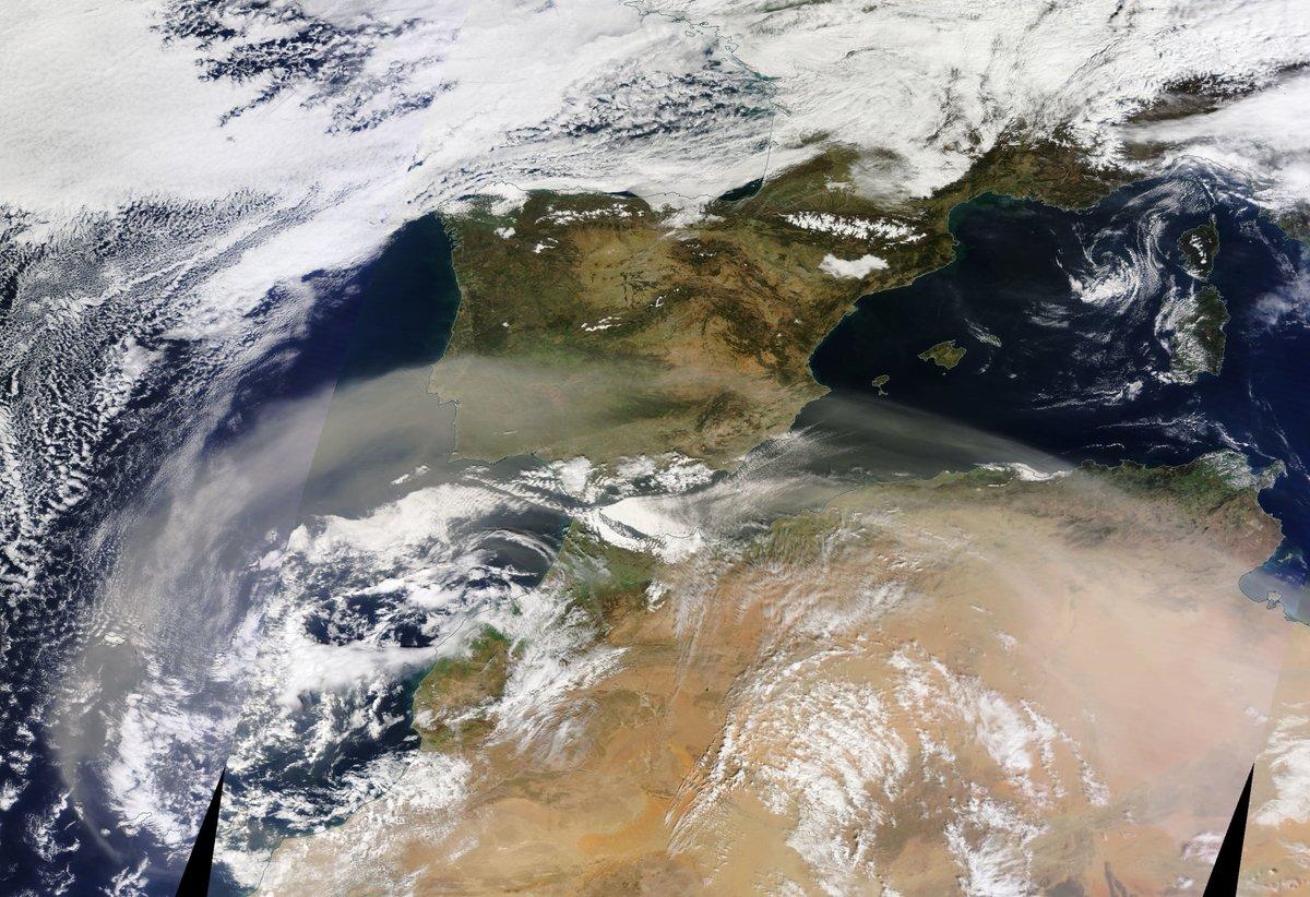 Una nube de polvo africano cubre la península
