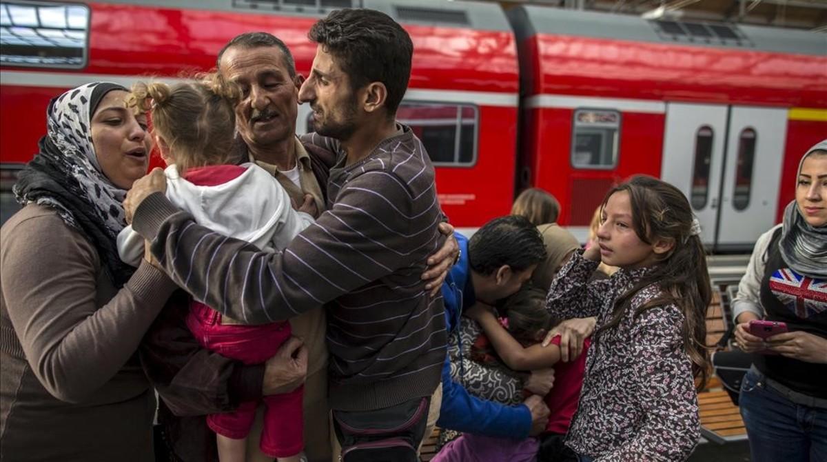 Brussel·les es dona per vençuda i afluixa en la seva política de quotes de refugiats
