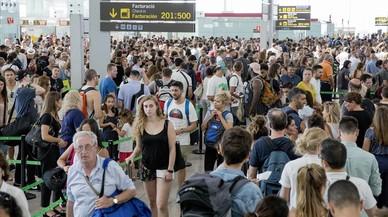 Escric 'aeroport' i m'indigno