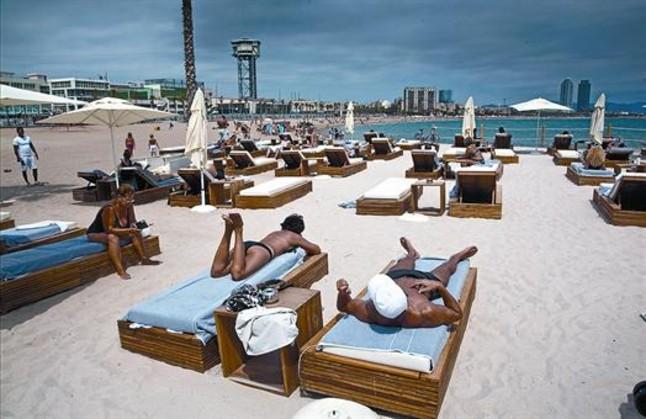 Oasis con vistas al mar for Beach club barcelona