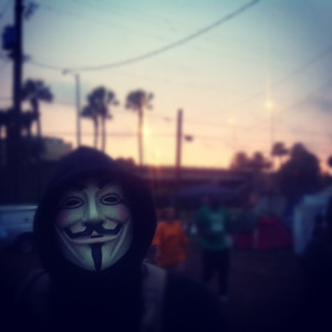 Un activista de las protestas contra Romney, en Tampa.