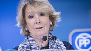 Esperanza Aguirre comparece en la sede de Génova para presentar su dimisión.
