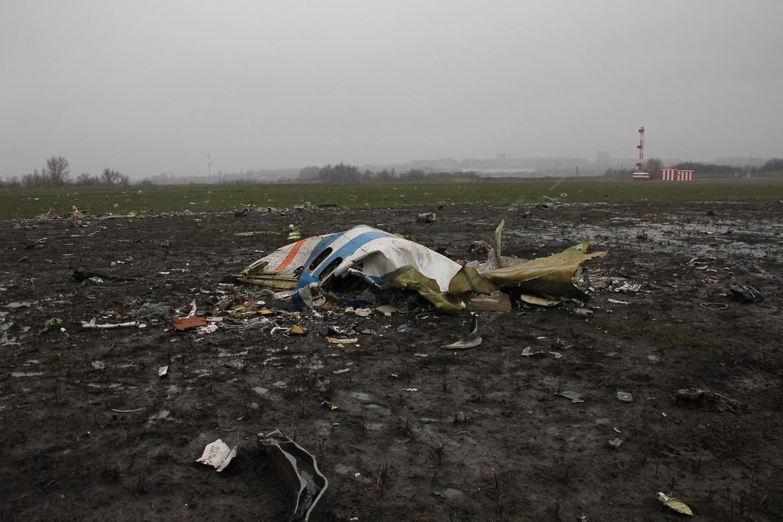 Restos del avión estrellado en Rusia