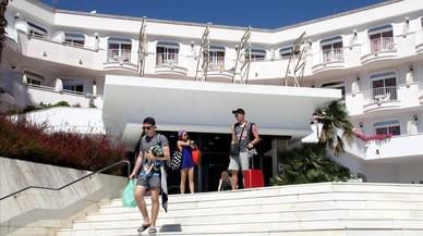 Descobert un quart hotel a Lloret amb la llum punxada