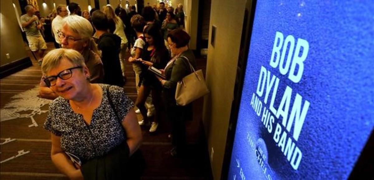 Asistentes al concierto de Bob Dylan en las Vegas, el primero tras recibir el Nobel.